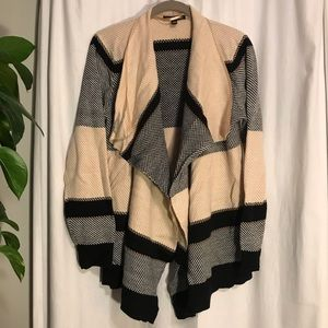 Cable & Gauge Black and Tan cardigan